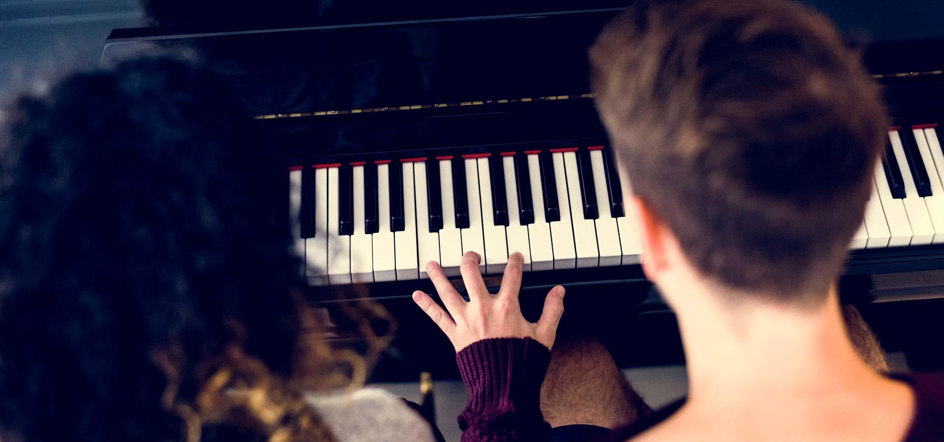piano droit boston by steinway